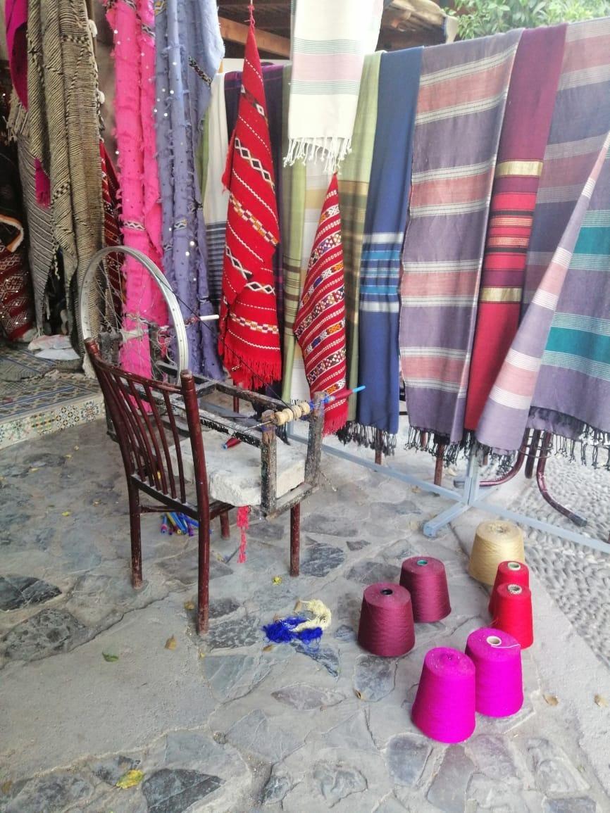 Telas hiladas a mano traídas desde Chefchaouen en las montañas de Marruecos y que ahora utilizamos para las chaquetas